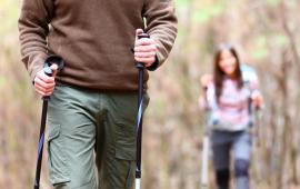 Pobór tlenu, częstość akcji serca, odczuwany wysiłek oraz zintegrowany elektromiogram kończyn dolnych i górnych podczas marszu poziomego i nordic walking na bieżni ruchomej