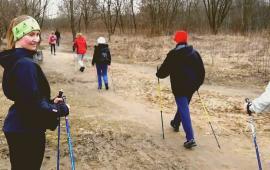 Wpływ treningu Nordic Walking na masę ciała osób w wieku 40-50 lat